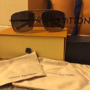 Louis Vuitton Sunglasses 🕶
